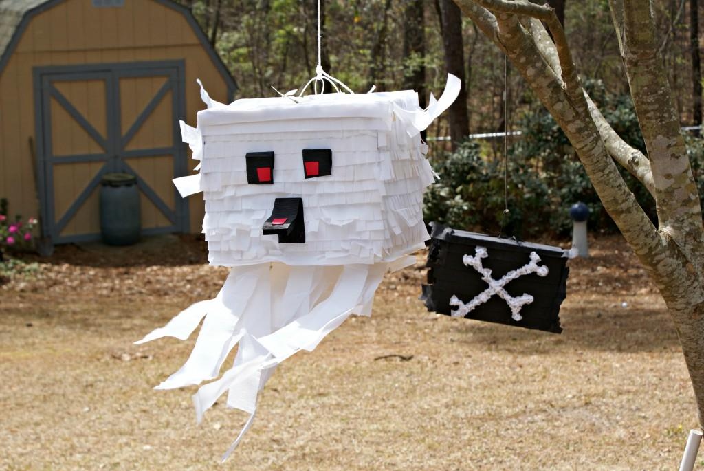 DIY ghast piñata