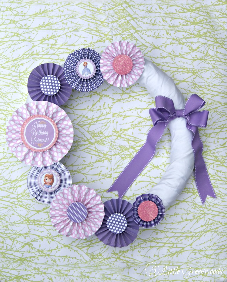 MUST Pin tutorial for making a precious Sofia the First Wreath! Perfect for a Sofia the First Birthday Party on a Budget! // 3 Little Greenwoods