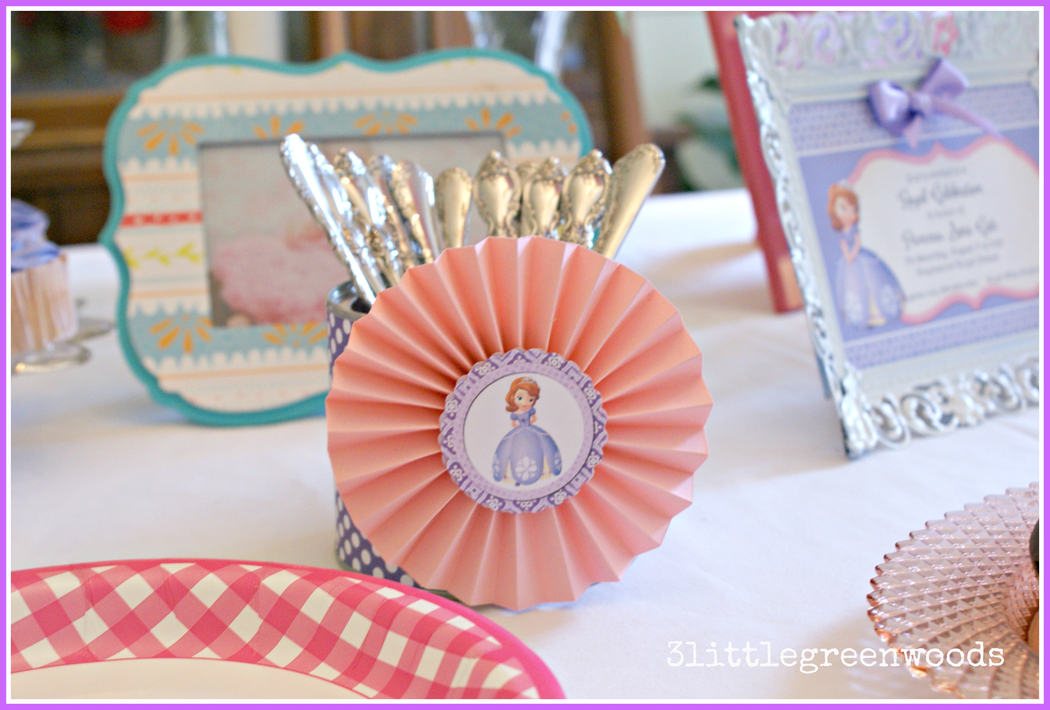 Super Sweet Sofia the First Tablescape for your Princess' Party