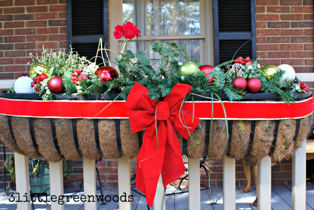 Cheery Christmas Flower Boxes @ 3littlegreenwoods