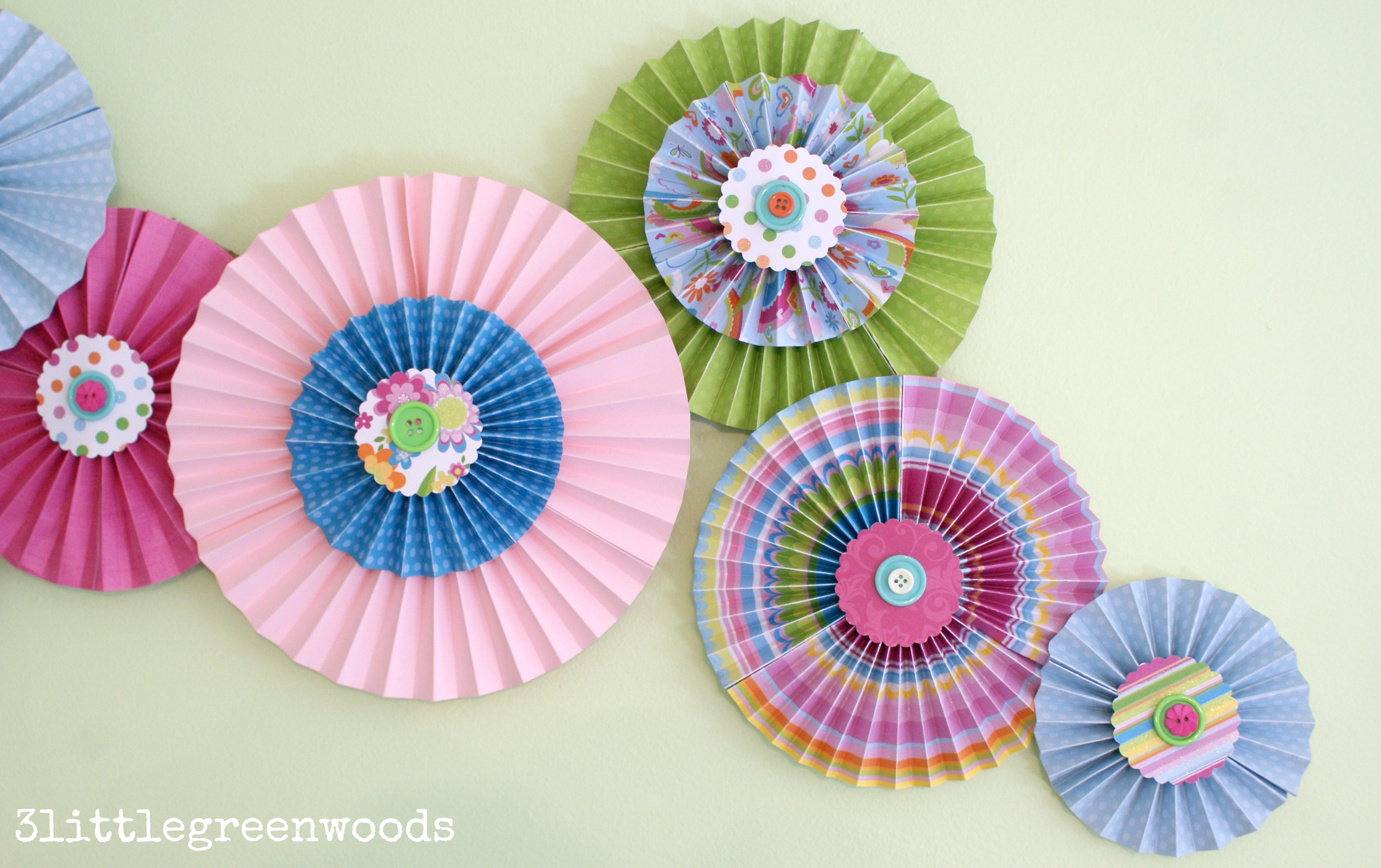 Paper PinwheelsWall Art on a Budget3 Little Greenwoods