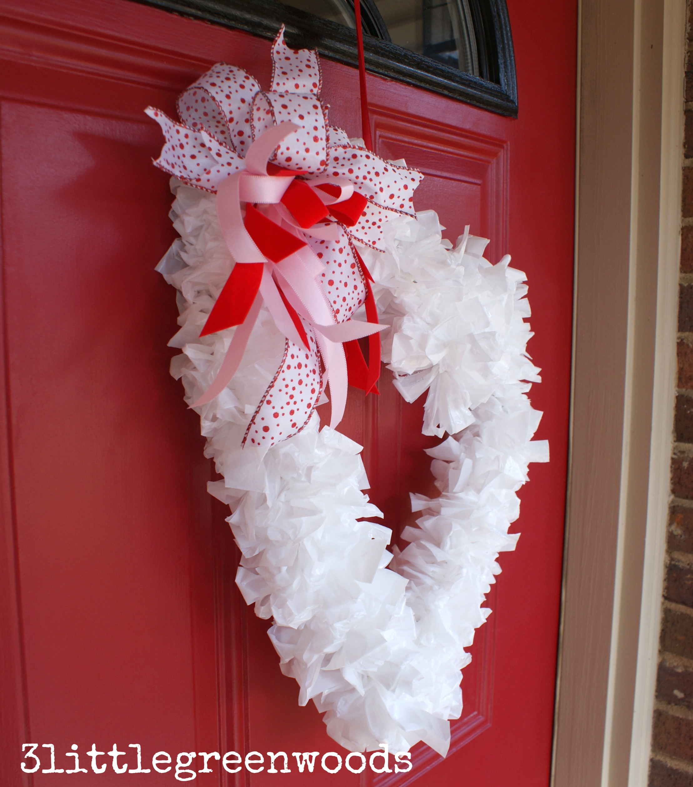 MUST Pin Tutorial For Making A Super Cute Valentine Wreath! You Can Make  This Valentine