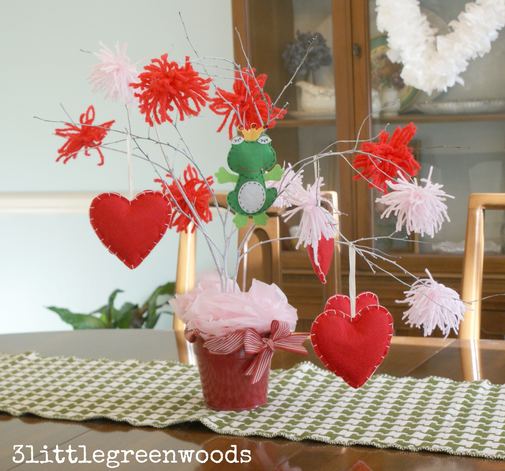 Valentine S Day Tree With Ornaments 3 Little Greenwoods