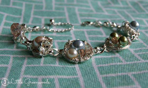 A Birds Nest Bracelet {Simple Tutorial} by 3 Little Greenwoods