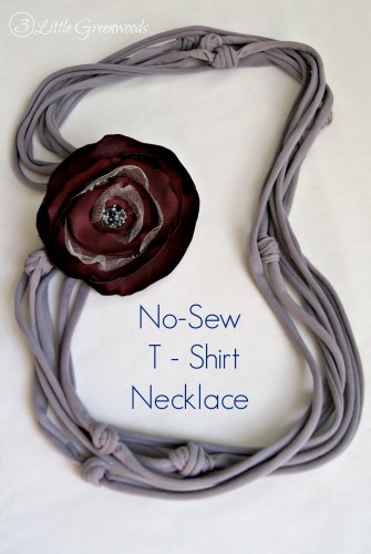 No-Sew Team Spirit Necklace by 3 Little Greenwoods