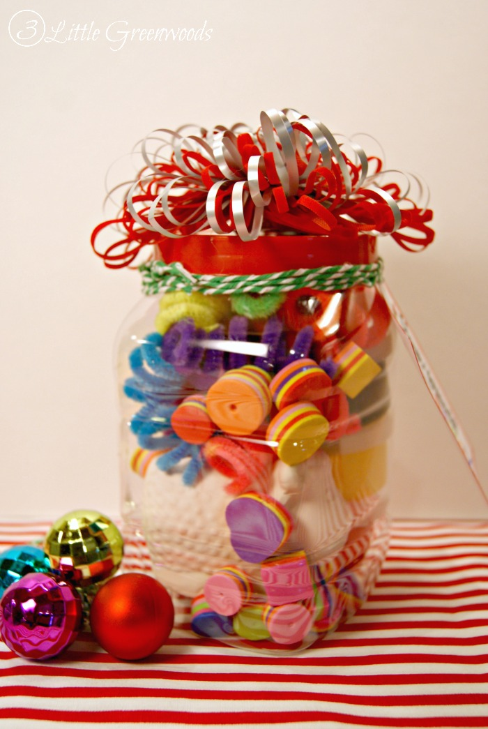 Have an ARTSY Little Christmas! {Dollar Store Gift in a Jar}