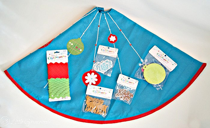 Adorable and easy to make! Semi-Homemade Christmas Tree Skirt from Craft Store Supplies http://www.3littlegreenwoods.com