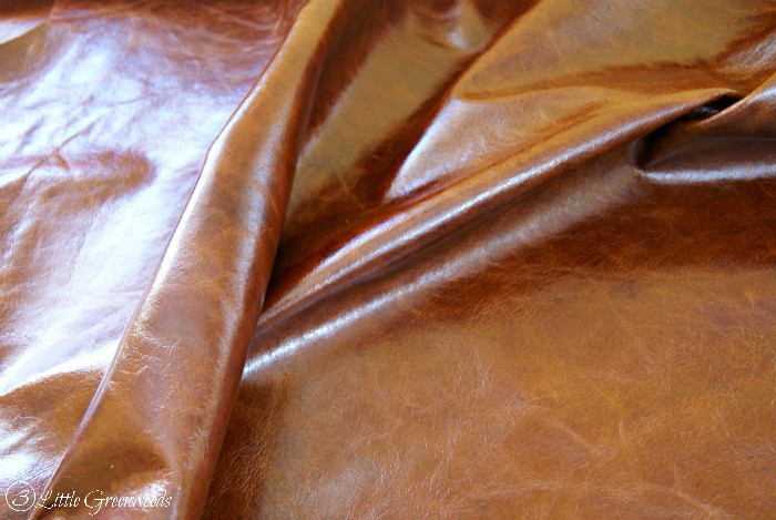DIY Leather Footstool {Home Office Furniture} Tutorial for making a DIY Leather Footstool http://www.3littlegreenwoods.com