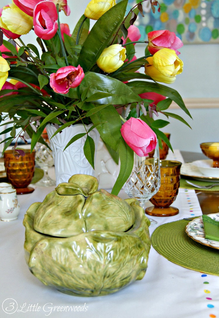 WONDERFULLY Thrifty Table Setting Ideas for Easter! Ways to Save on holiday decor! #ThriftyTableSetting #Eastertablescape #EasterOnaBudget #DIYTablescape #WaysToSave