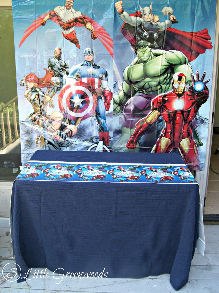 Need to plan an Avengers Party or Superheroes Party in a hurry? You will LOVE  sc 1 st  3 Little Greenwoods : avengers table and chair set - pezcame.com