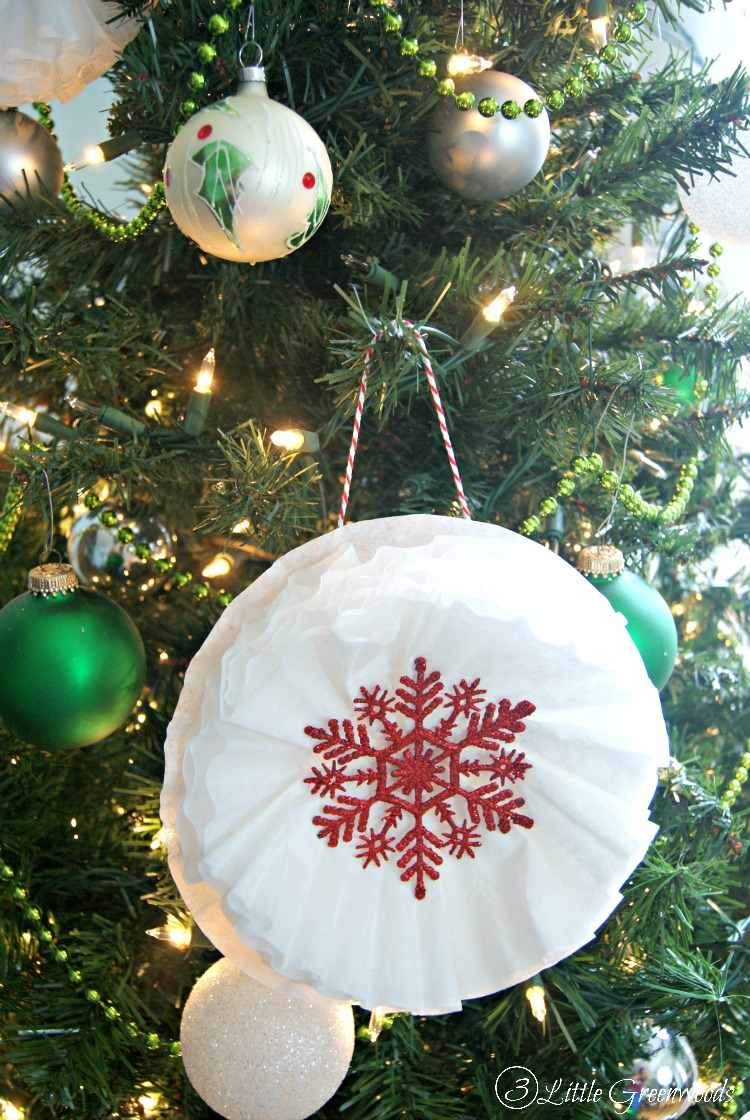 What an AWESOME way to add WOW to your Christmas Tree Decorations! Make these Coffee Filter Snowflakes ~ Inexpensive Holiday Ornaments for your Holiday Decor! // 3 Little Greenwoods