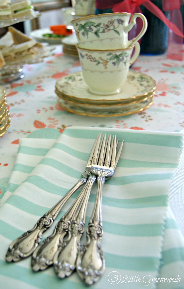 Host a Mother\'s Day Afternoon Tea Party