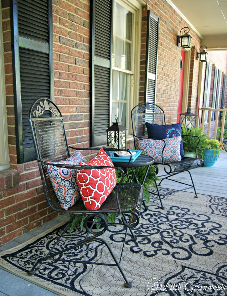 Refresh your home with southern front porch decorating ideas for Patio decorating photos