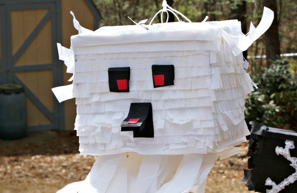 DIY ghast pinata @ 3littlegreenwoods
