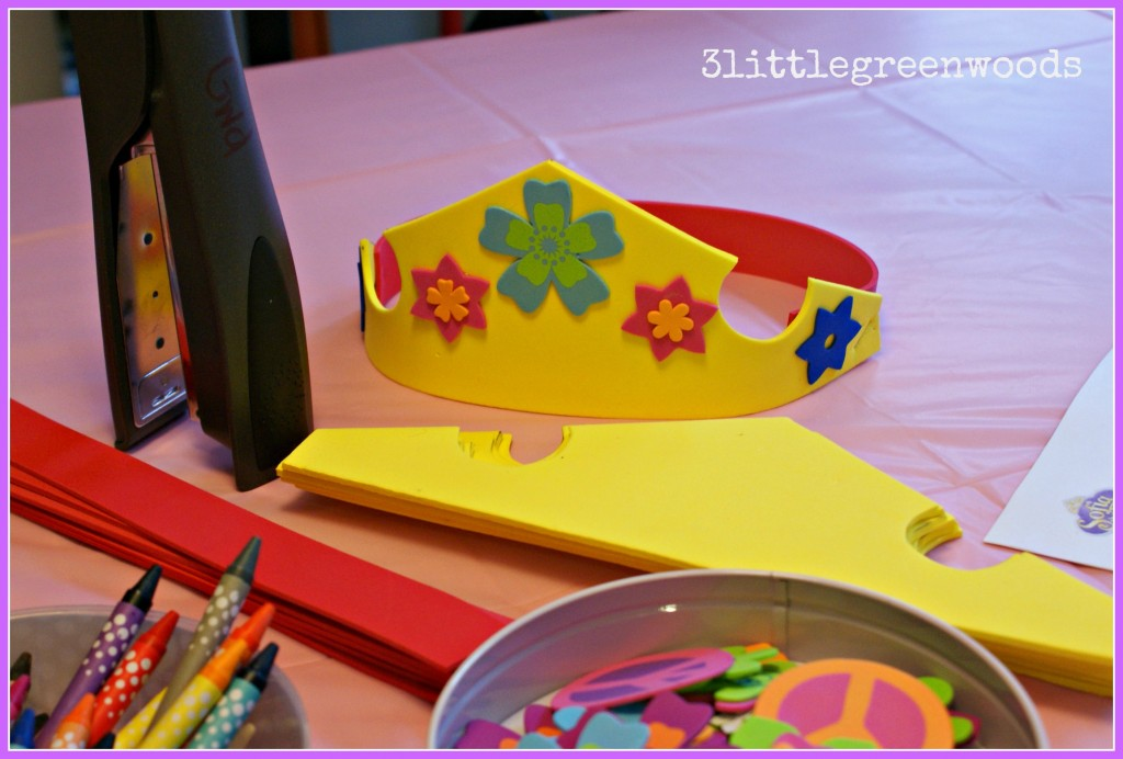 Simple Crown Craft and Fun Favors! Princess Party on a Budget @ 3littlegreenwoods