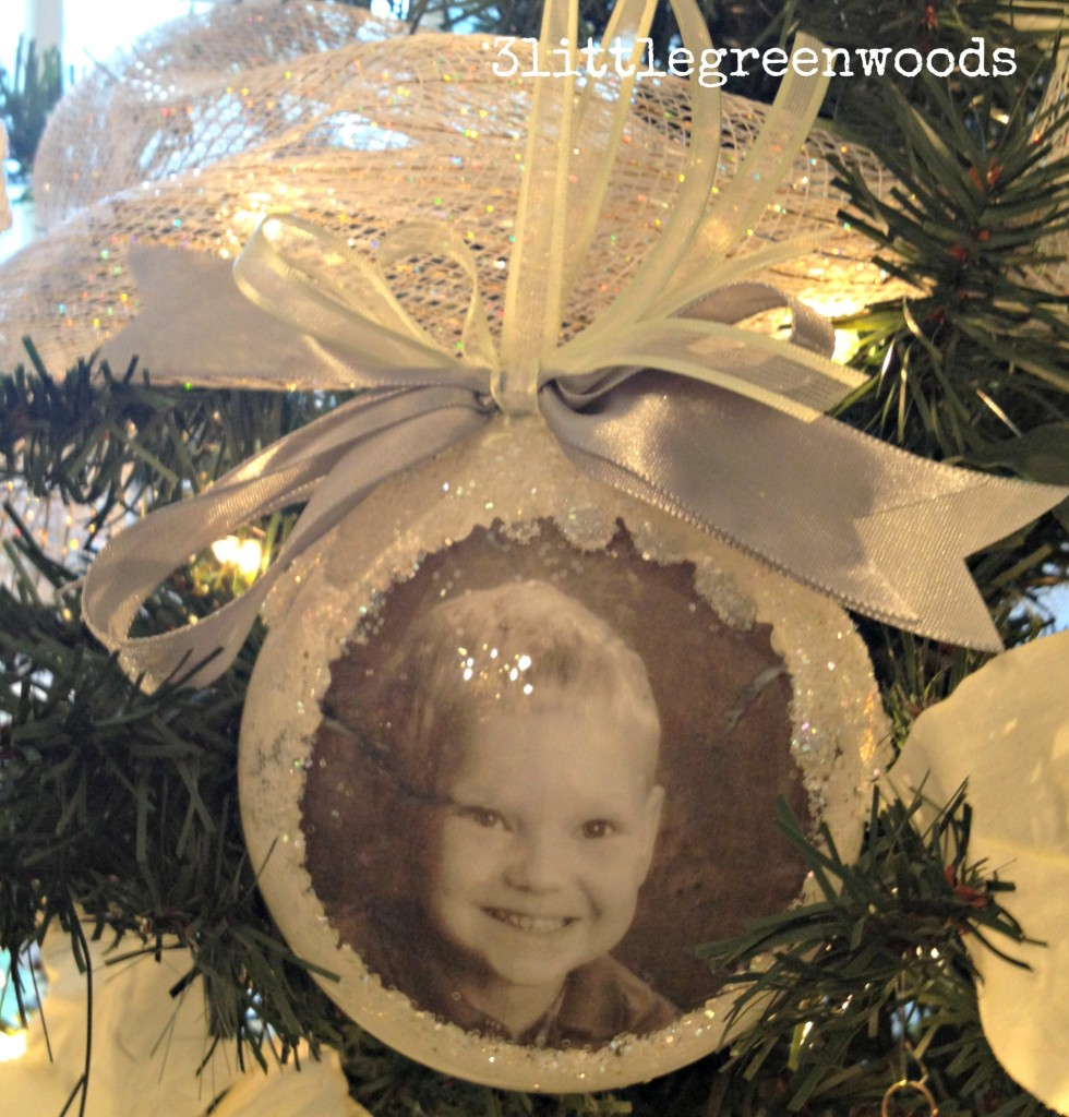 Memory Ornaments using photographs @ 3littlegreenwoods