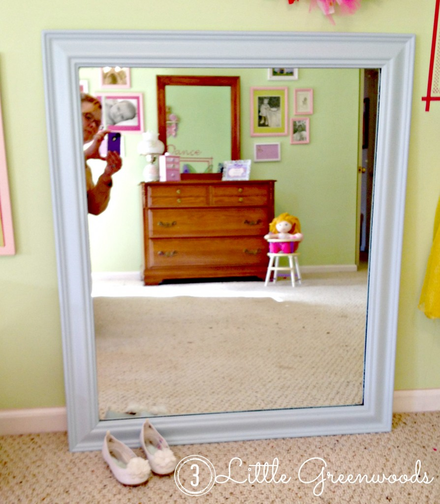 easy dress up mirror