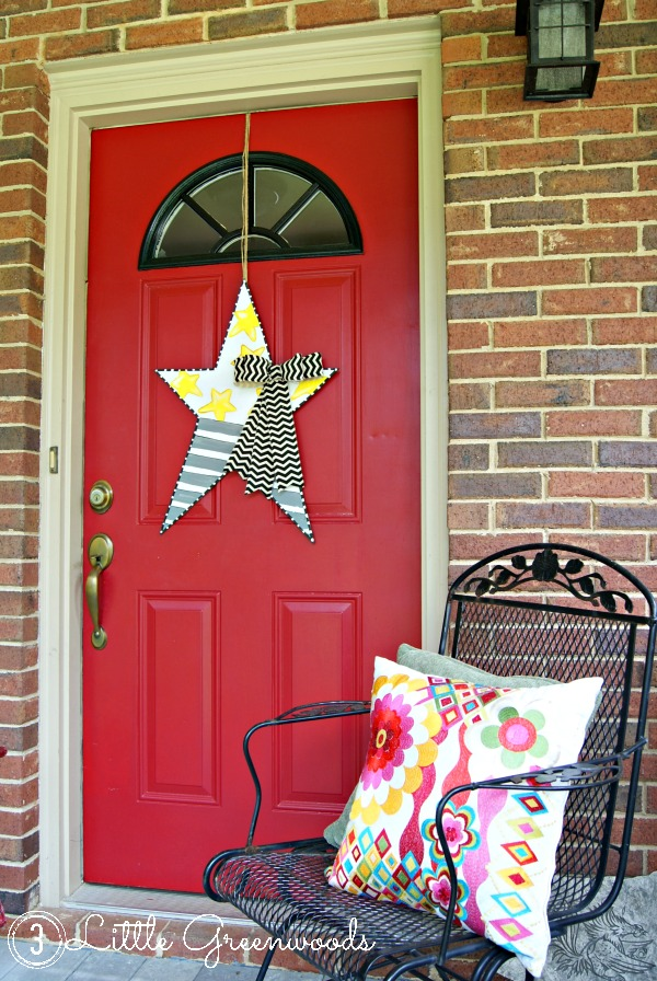 Super Fun {and Simple} Star Door Decor! Perfect for celebrating Memorial Day, Fourth of July, or Summer! Create your own Star Wreath with this easy tutorial! #FourthofJuly #StarDecor