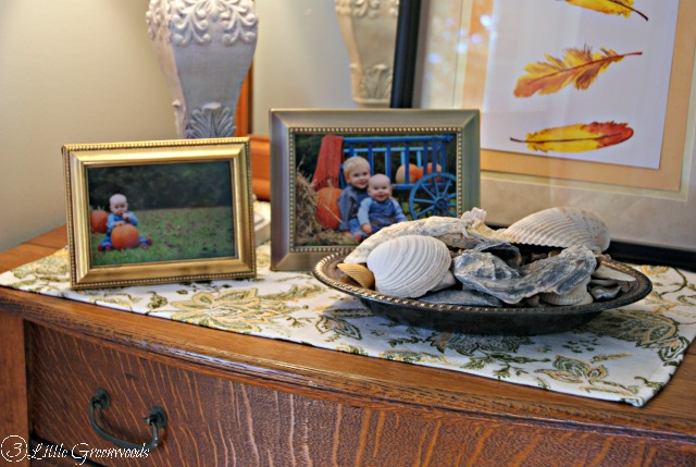 5 Steps to a Fall Vignette by 3 Little Greenwoods