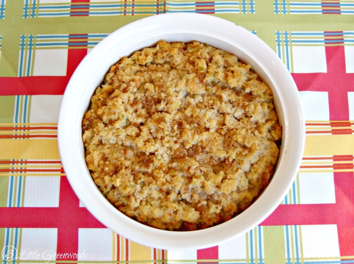 Traditional Southern Cornbread Dressing Recipe https://www.3littlegreenwoods.com