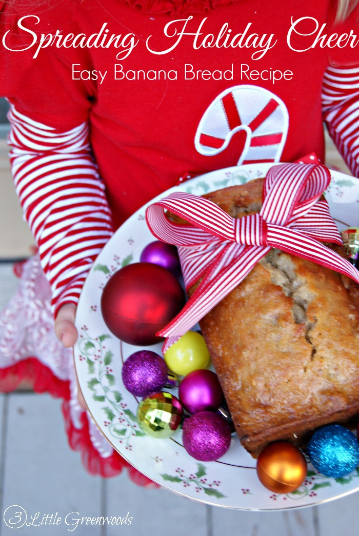 Easy Banana Bread Recipe with MIRACLE WHIP: Perfect for holiday gift giving! https://www.3littlegreenwoods.com