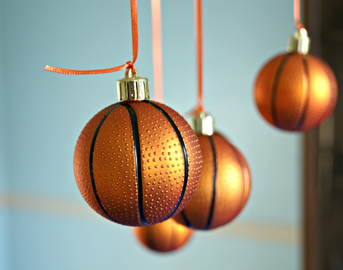 Celebrate the basketball players in your life with a Slam Dunk Basketball Party! Tips for planning, party decor, and a TWO ingredient Chocolate Fondue Recipe! https://www.3littlegreenwoods.com