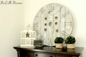Amazing tutorial for How to Make a Clock from an Electrical Spool! Guest post by McCall Manor on 3 Little Greenwoods #DIYClock #WoodenClock #WoodenSpoolProject