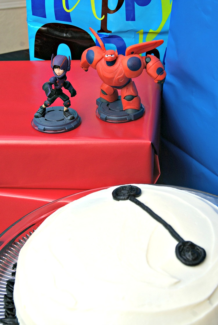 SUPER SIMPLE Tutorial For An Easy DIY BAYMAX Birthday Cake By 3 Little Greenwoods Planning