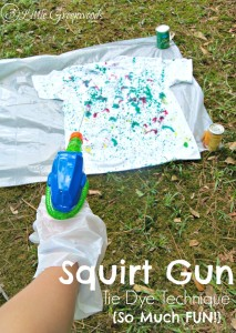 MUST Pin Tie Dye Idea for a Summer Fun Party! Squirt Gun Tie Dye Technique is super fun with squirt guns and fabric dye! by 3 Little Greenwoods