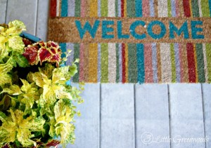 Love the look of a Southern front porch? Here's how to decorate porches with front porch decorating ideas and inspiration you can do all on a budget! From choosing the best plants to easy DIY porch projects follow these tips to style the front porch you've always wanted! // 3 Little Greenwoods