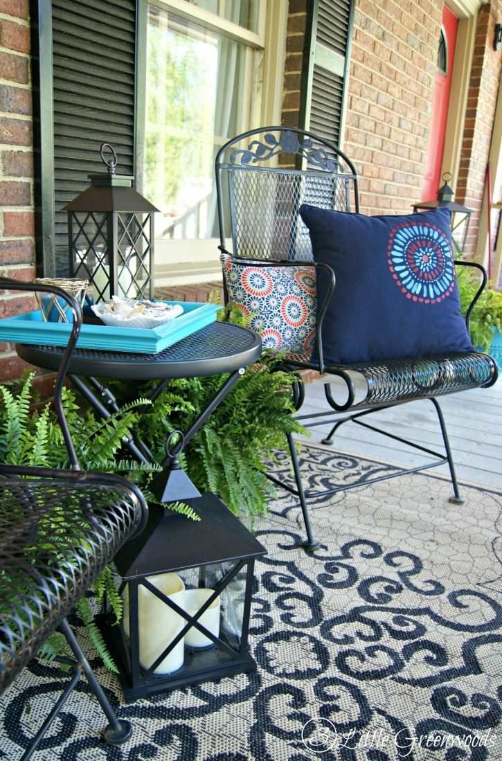 Refresh your home with southern front porch decorating ideas Front veranda decorating ideas