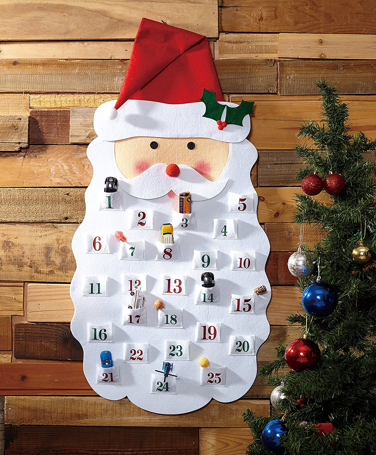 Start a new Christmas tradition is year with a Christmas Countdown Calendar! It's a family friendly Christmas activity that your children will always remember!