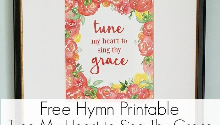 FREE Tune My Heart To Sing Thy Grace Printable! Add a touch of spring to your home easily and quickly with these beautiful hymn printables. Simply grab a frame and add a print in less than 5 minutes!