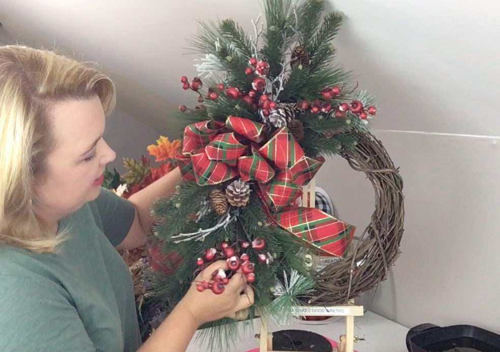 Follow along with this step-by-step video tutorial to make a Christmas Grapevine Wreath